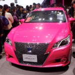 Toyota Crown Athete en rose
